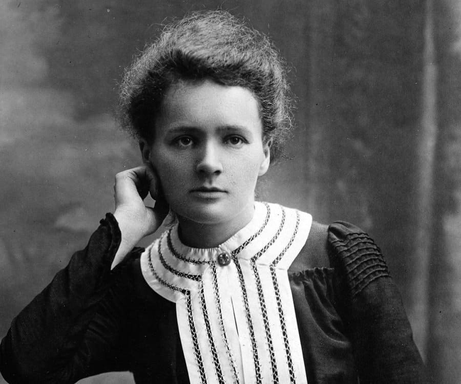 marie curie radioactivity and x rays essay Marie curie discovered two new chemical elements  but becquerel's rays were not x-rays marie decided to investigate the rays from uranium  radioactivity.
